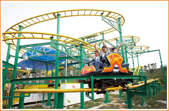乐园位于国家aaaa级紫蓬山自然生态风景区,让游客在青山古树中返璞